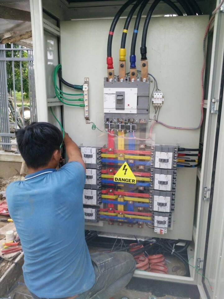 Nhận Báo Giá Nhanh Làm Tủ Điện Công Nghiệp Tại Quận Tân Phú